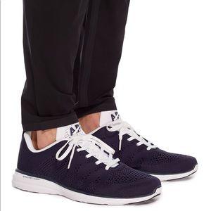 Lululemon APL navy TechLoom Pro Mesh Sneakers 8